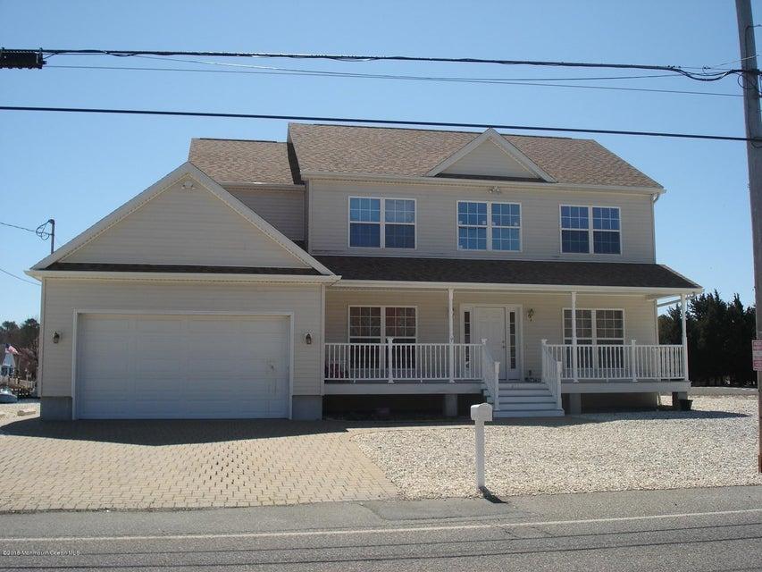 Single Family Home for Rent at 435 Laurel Boulevard 435 Laurel Boulevard Lanoka Harbor, New Jersey 08734 United States