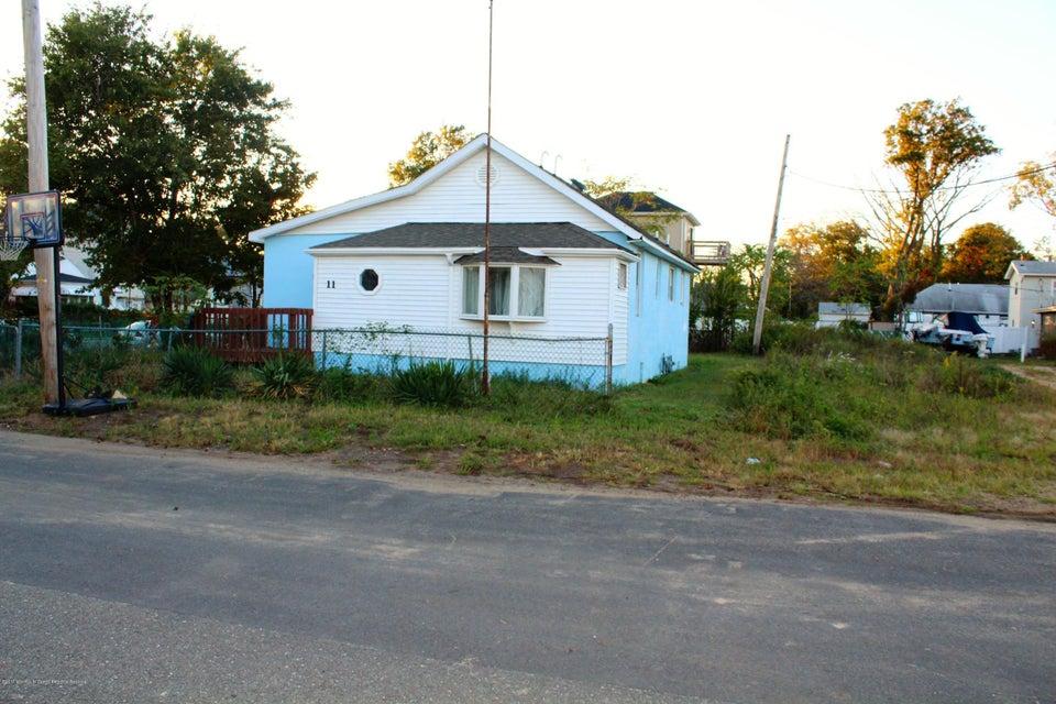 独户住宅 为 出租 在 11 Lawrence Avenue 11 Lawrence Avenue 肯斯堡市, 新泽西州 07734 美国