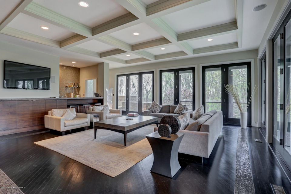 Great room with wet bar