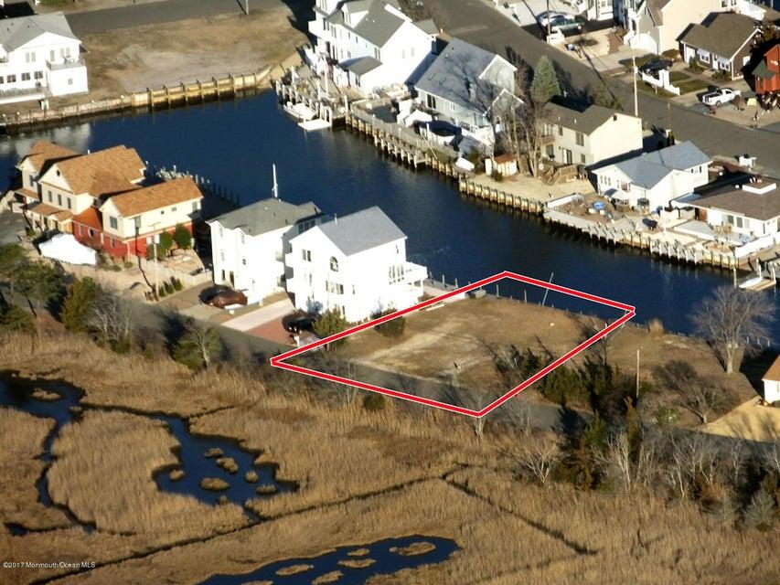 Terreno por un Venta en Clairmore Avenue Clairmore Avenue Lanoka Harbor, Nueva Jersey 08734 Estados Unidos