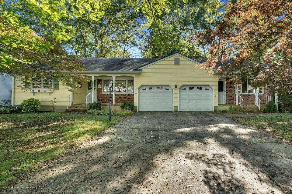 Maison unifamiliale pour l Vente à 2256 Llewellyn Parkway 2256 Llewellyn Parkway Lacey, New Jersey 08734 États-Unis