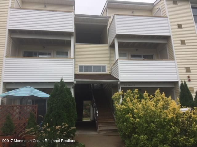 Condominium for Rent at 31 Basset Court 31 Basset Court Tinton Falls, New Jersey 07753 United States