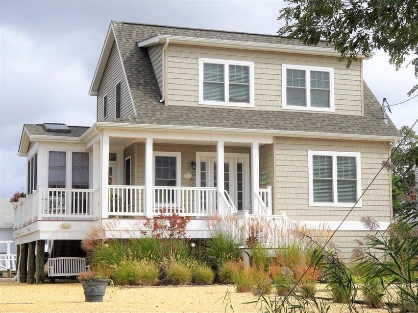 独户住宅 为 销售 在 1320 Marine Parkway 1320 Marine Parkway 特普莱森特, 新泽西州 08742 美国