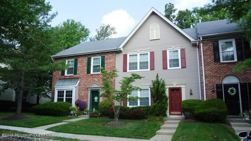 Appartement en copropriété pour l à louer à 43 Sun Beau Court 43 Sun Beau Court Tinton Falls, New Jersey 07724 États-Unis