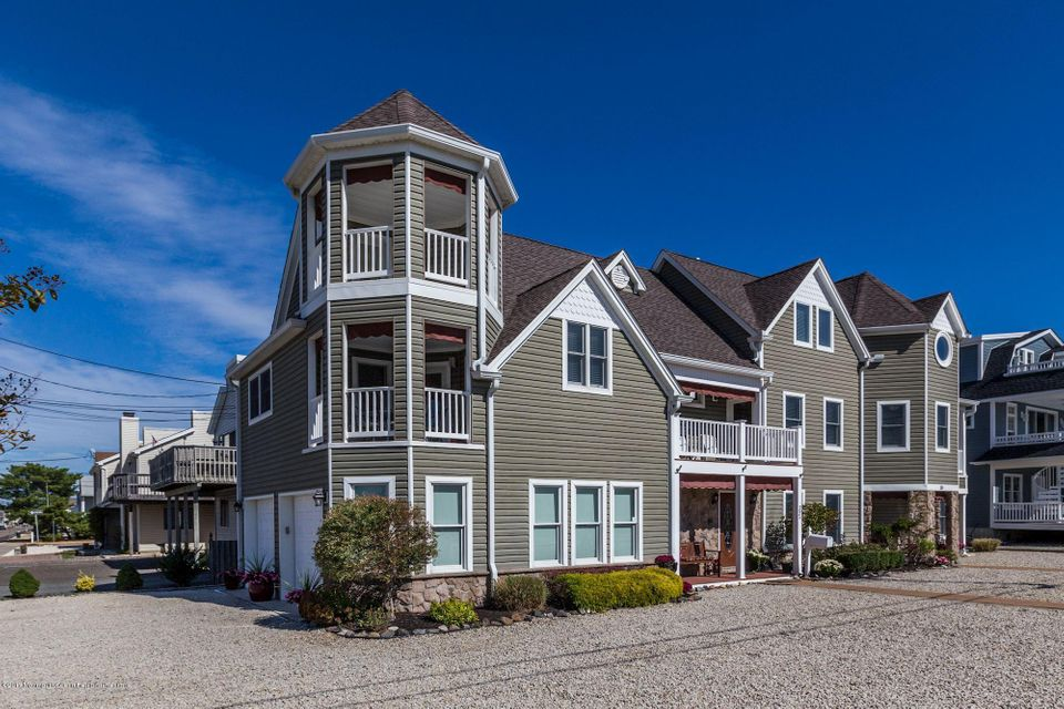 Maison avec plusieurs logements pour l Vente à 32 J Street 32 J Street Seaside Park, New Jersey 08752 États-Unis