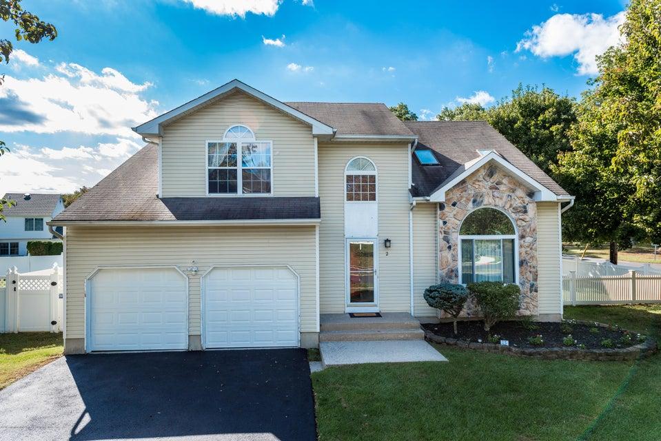 Maison unifamiliale pour l Vente à 2 Sherrybrooke Drive 2 Sherrybrooke Drive Howell, New Jersey 07731 États-Unis