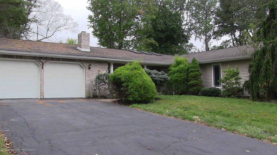 Maison unifamiliale pour l Vente à 11 Crabtree Road 11 Crabtree Road Matawan, New Jersey 07747 États-Unis