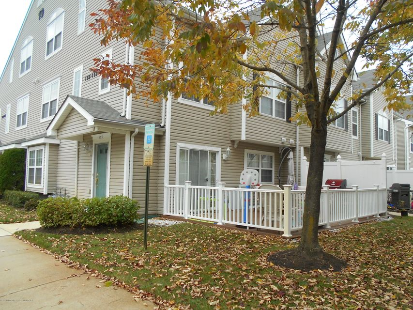 共管式独立产权公寓 为 出租 在 155 Dorado Beach Court 155 Dorado Beach Court 豪威尔, 新泽西州 07731 美国