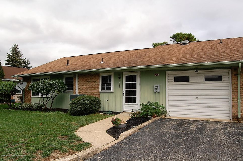 Single Family Home for Rent at 24 B Buckingham Drive 24 B Buckingham Drive Manchester, New Jersey 08759 United States