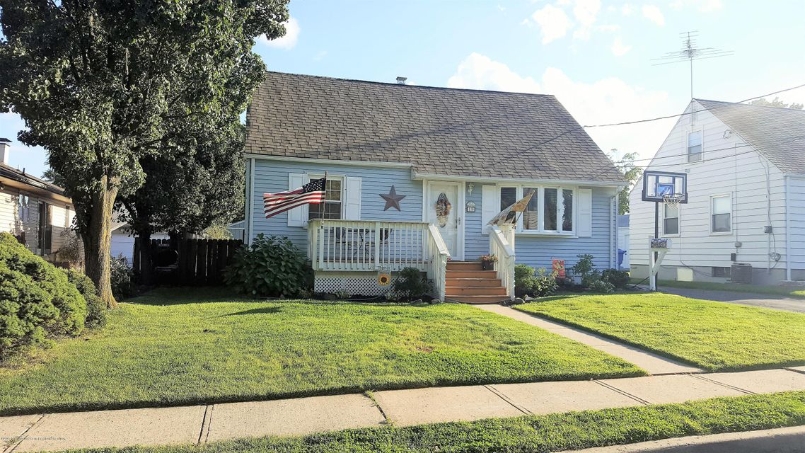 Single Family Home for Sale at 19 Seymour Avenue 19 Seymour Avenue Woodbridge, New Jersey 07095 United States