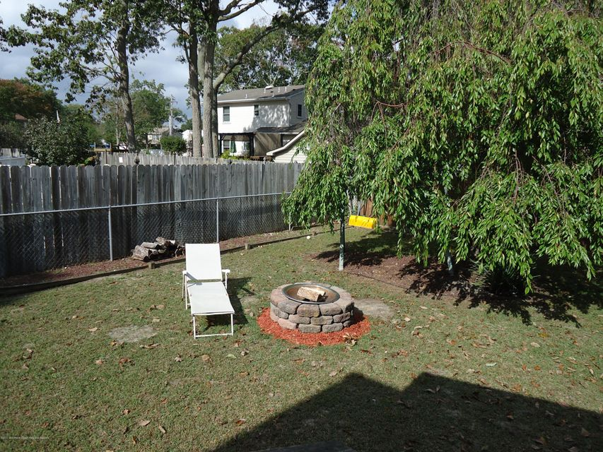 Additional photo for property listing at 31 Shasta Lane 31 Shasta Lane Toms River, Nova Jersey 08753 Estados Unidos
