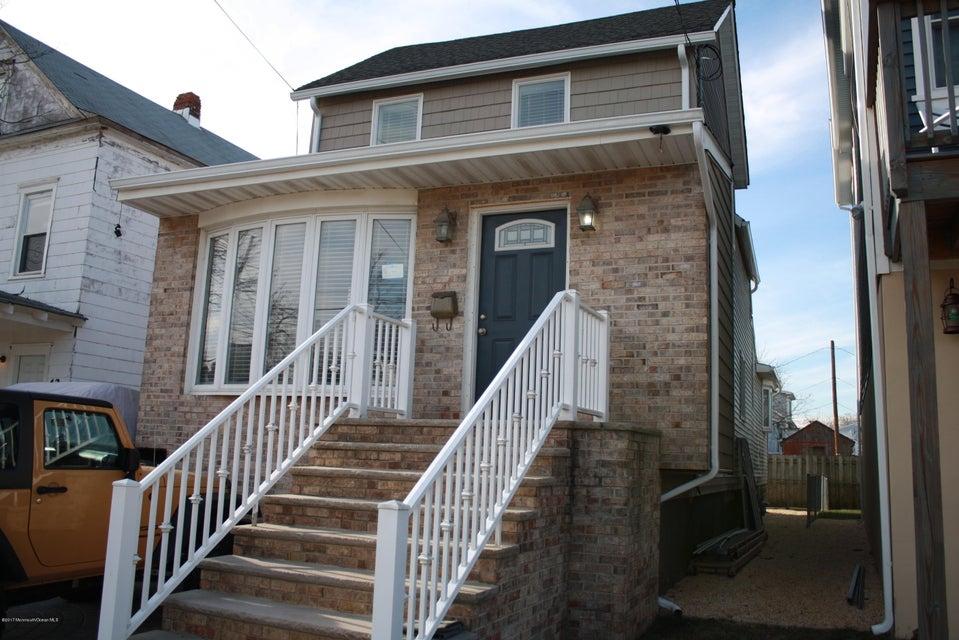 Casa Unifamiliar por un Alquiler en 40 Miller Street 40 Miller Street Highlands, Nueva Jersey 07732 Estados Unidos