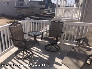 Casa Unifamiliar por un Alquiler en 26 Harding Avenue 26 Harding Avenue Ortley Beach, Nueva Jersey 08751 Estados Unidos