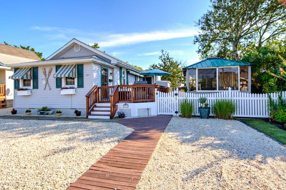 獨棟家庭住宅 為 出售 在 112 3rd Street 112 3rd Street Surf City, 新澤西州 08008 美國