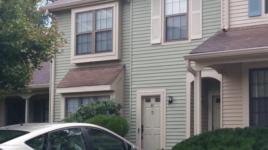 Appartement en copropriété pour l à louer à 83 Bradford Court 83 Bradford Court Aberdeen, New Jersey 07747 États-Unis