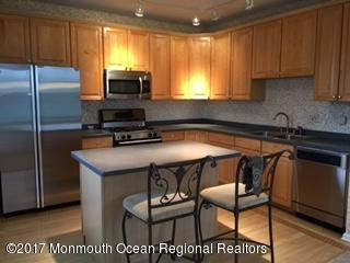 Appartement en copropriété pour l à louer à 108 Shinnecock Drive 108 Shinnecock Drive Manalapan, New Jersey 07726 États-Unis