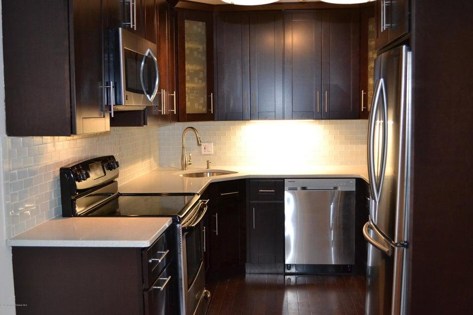共管式独立产权公寓 为 出租 在 330 Shore Drive 330 Shore Drive Highlands, 新泽西州 07732 美国
