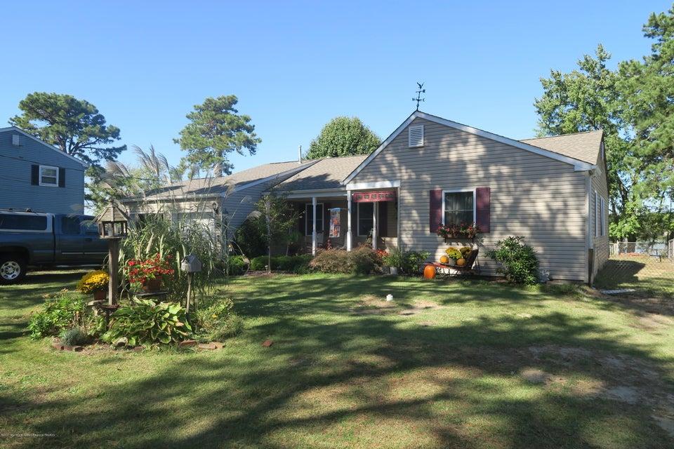 Einfamilienhaus für Verkauf beim 231 Chippewa Trail 231 Chippewa Trail Browns Mills, New Jersey 08015 Vereinigte Staaten