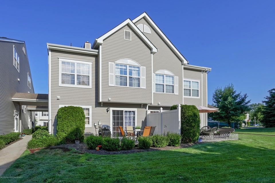 共管式独立产权公寓 为 出租 在 88 Watson Court 88 Watson Court 豪威尔, 新泽西州 07731 美国