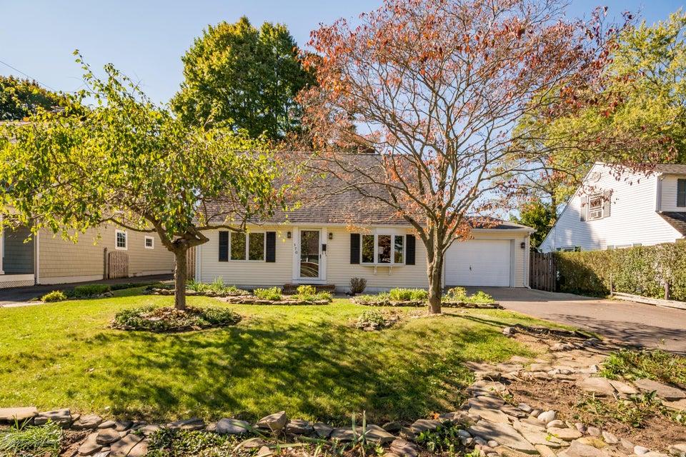 Casa Unifamiliar por un Alquiler en 170 Oxford Avenue 170 Oxford Avenue Fair Haven, Nueva Jersey 07704 Estados Unidos