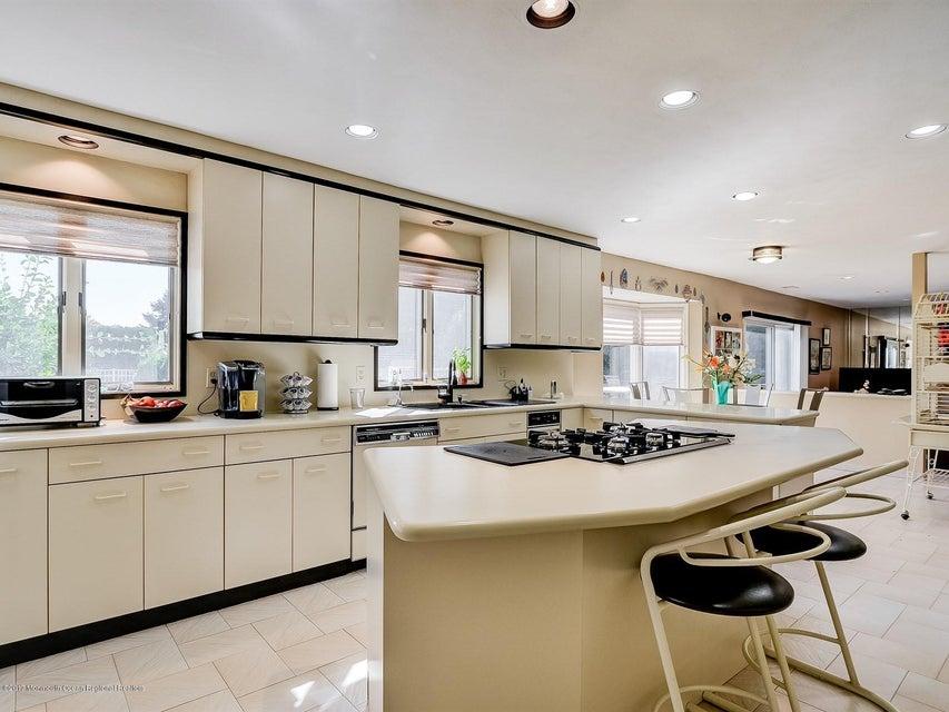 013_Kitchen