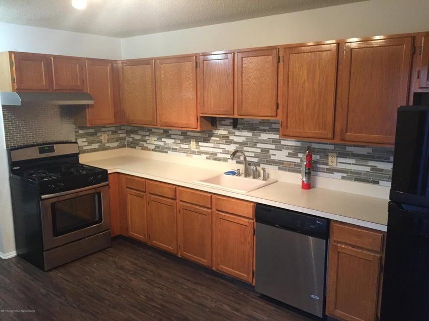 Maison unifamiliale pour l à louer à 27 Woodpecker Way 27 Woodpecker Way Marlboro, New Jersey 07746 États-Unis
