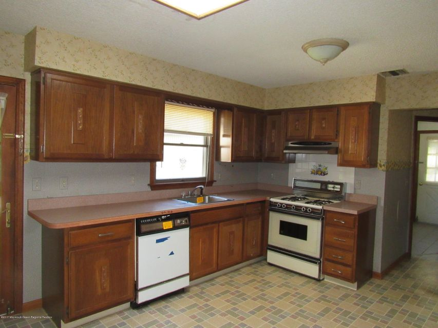 Additional photo for property listing at 2204 Glen Oak Drive 2204 Glen Oak Drive Forked River, New Jersey 08731 United States