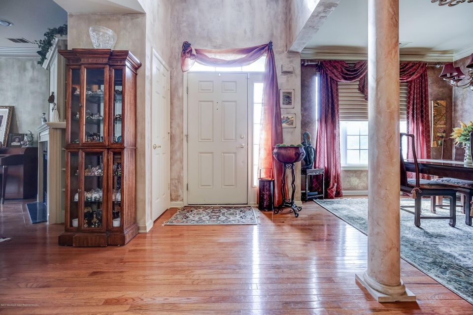 Single Family Home for Sale at 48 Wlodarczyk Place 48 Wlodarczyk Place Parlin, New Jersey 08859 United States