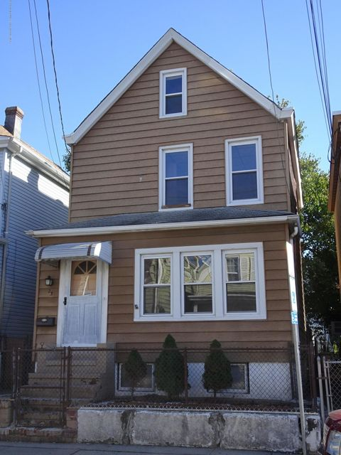 獨棟家庭住宅 為 出售 在 23 Center Street 23 Center Street Clifton, 新澤西州 07011 美國