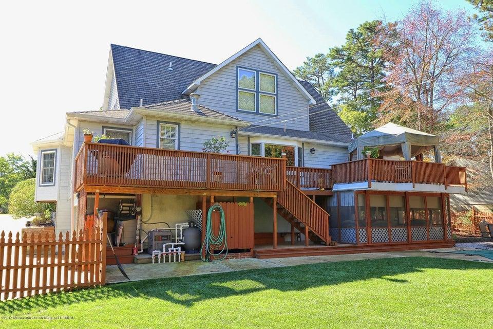 Maison unifamiliale pour l Vente à 739 Princeton Road 739 Princeton Road Lanoka Harbor, New Jersey 08734 États-Unis