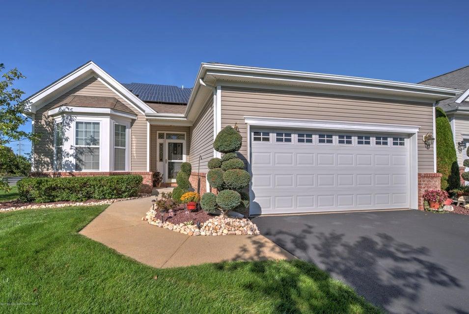 Casa para uma família para Venda às 1 Missy Lane 1 Missy Lane Monroe, Nova Jersey 08831 Estados Unidos