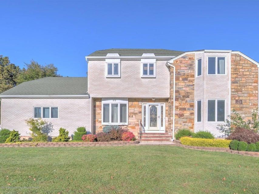 独户住宅 为 销售 在 32 Mariposa Place 32 Mariposa Place Old Bridge, 新泽西州 08857 美国