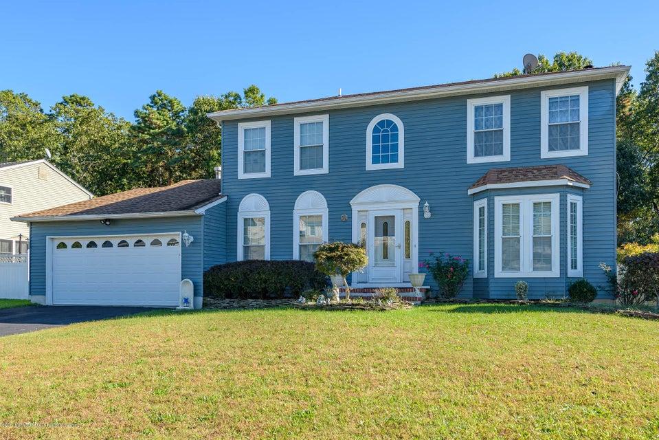 Maison unifamiliale pour l Vente à 74 Heritage Drive 74 Heritage Drive Howell, New Jersey 07731 États-Unis