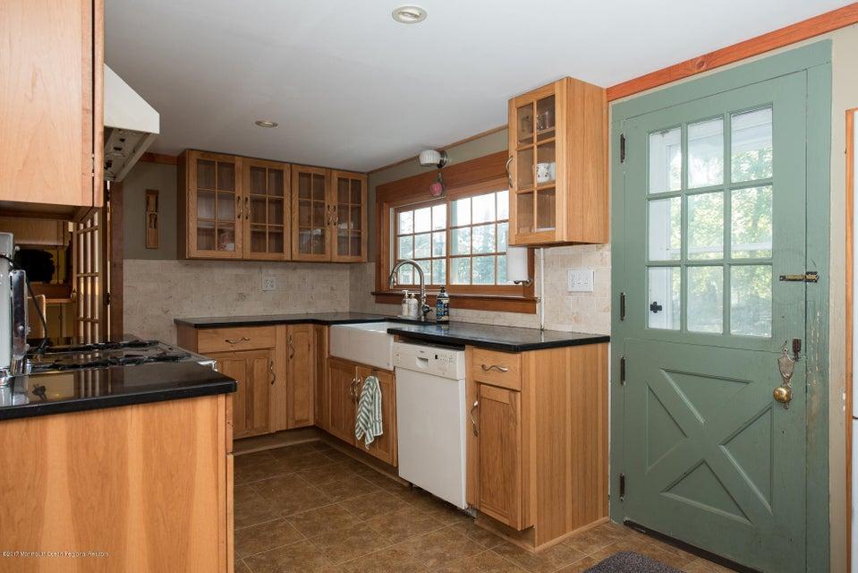 543 Old York kitchen1