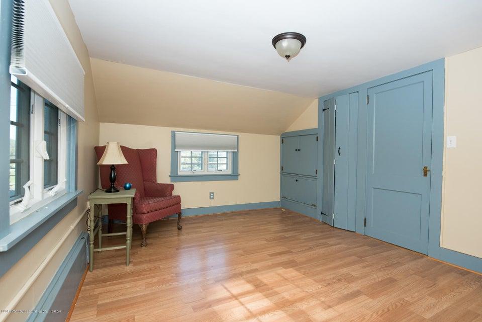 543 Old York upper bedroom3
