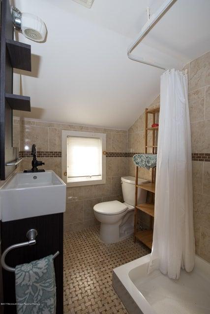 543 Old York full bath
