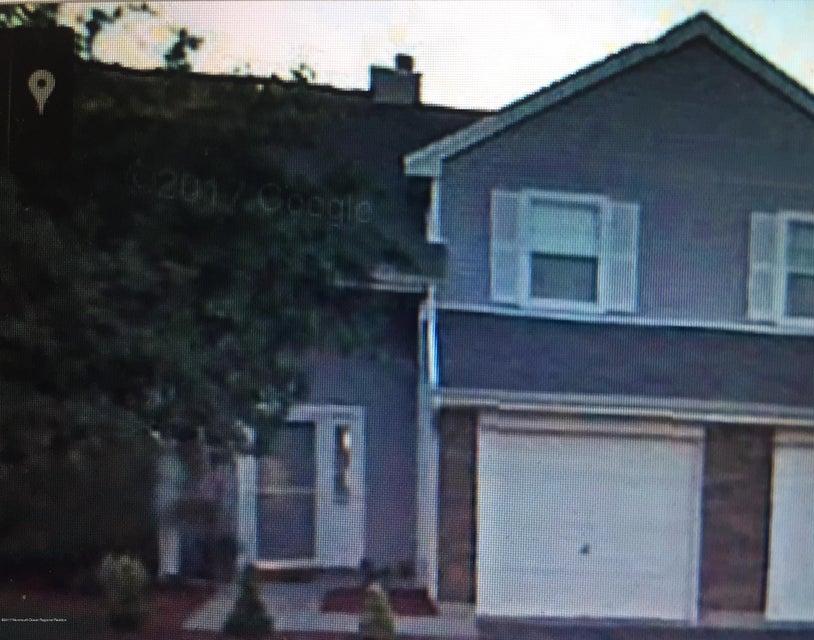 Condomínio para Locação às 94 Lawrence Lane 94 Lawrence Lane New Brunswick, Nova Jersey 08901 Estados Unidos