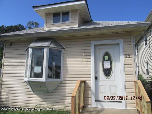 獨棟家庭住宅 為 出售 在 29 Pineview Avenue 29 Pineview Avenue Keansburg, 新澤西州 07734 美國