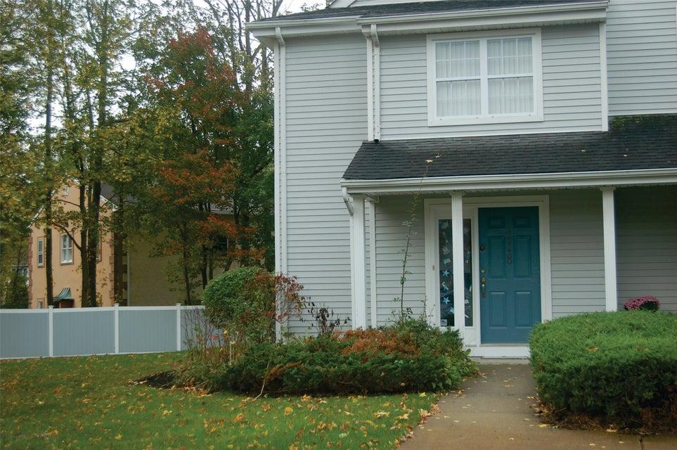 共管式独立产权公寓 为 出租 在 118 Wellington Court 118 Wellington Court 纳拉潘市, 新泽西州 07726 美国