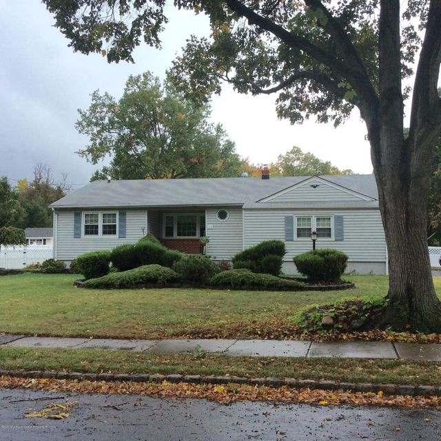 Single Family Home for Sale at 54 Canterbury Drive 54 Canterbury Drive Clark, New Jersey 07066 United States