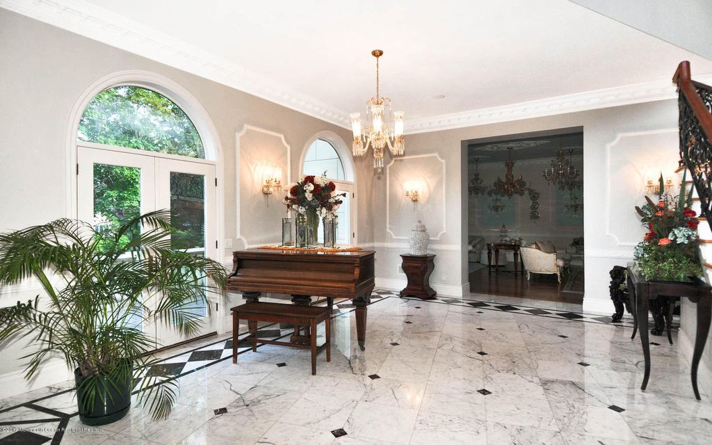 Additional photo for property listing at 110 Norwood Avenue 110 Norwood Avenue Elberon, New Jersey 07740 Vereinigte Staaten