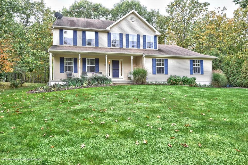 獨棟家庭住宅 為 出售 在 320 Warwick Drive 320 Warwick Drive New Egypt, 新澤西州 08533 美國