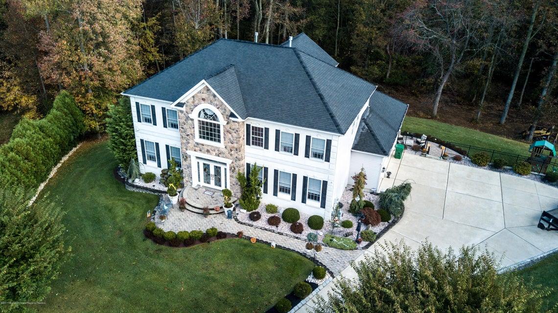 独户住宅 为 销售 在 41 Stonegate Drive 41 Stonegate Drive 门罗, 新泽西州 08831 美国