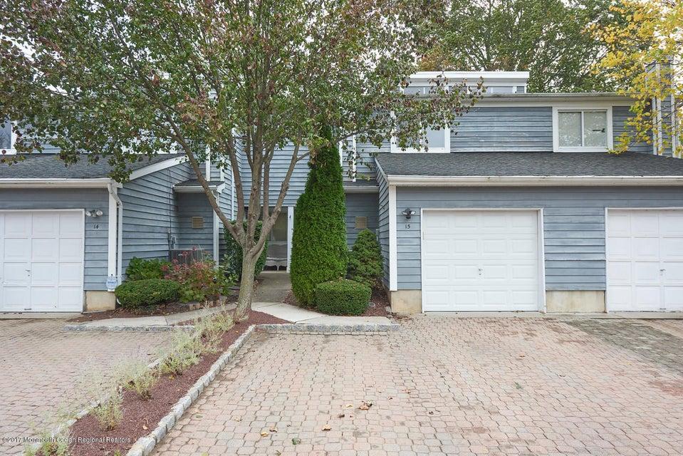 共管式独立产权公寓 为 出租 在 15 Spring Court 15 Spring Court 廷顿瀑布市, 新泽西州 07724 美国