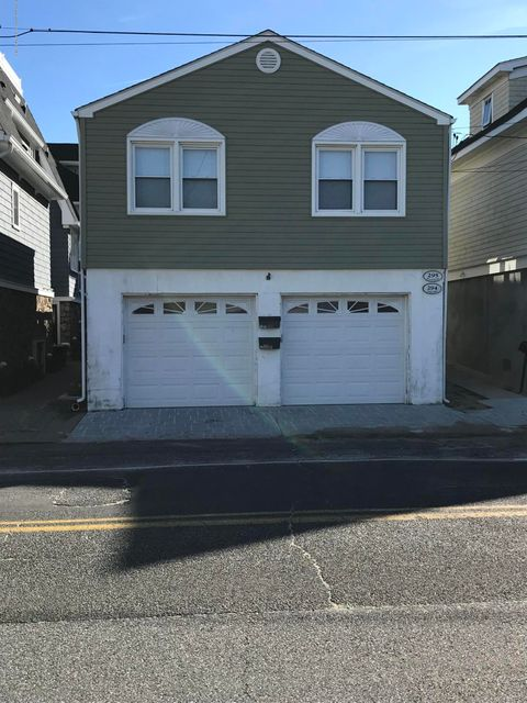 Single Family Home for Rent at 294 1st Avenue 294 1st Avenue Manasquan, New Jersey 08736 United States