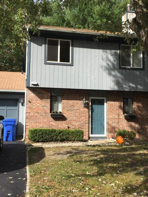 Condominio por un Alquiler en 10 Cardinal Lane 10 Cardinal Lane Howell, Nueva Jersey 07731 Estados Unidos