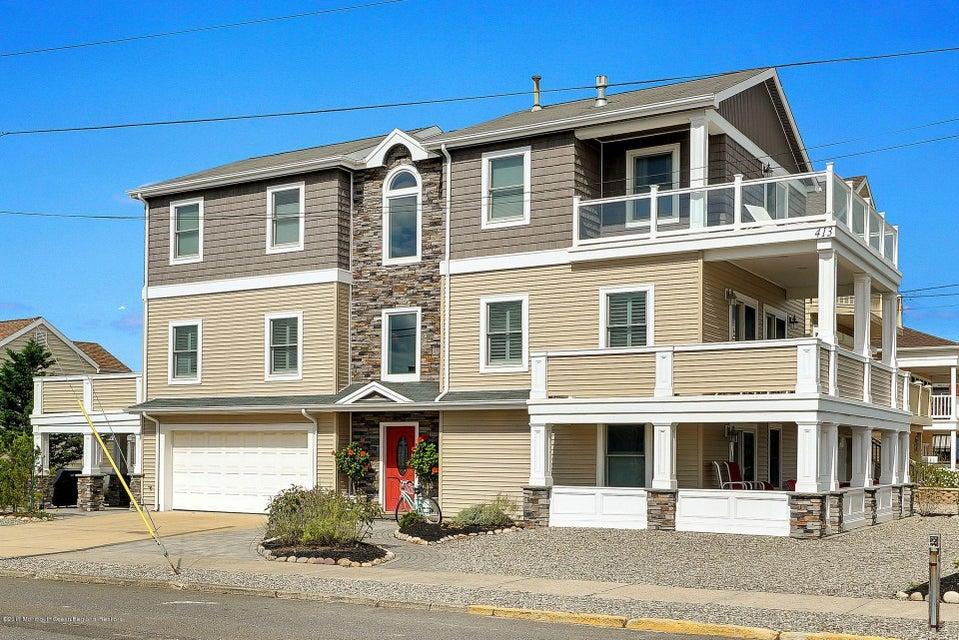 Casa Unifamiliar por un Alquiler en 413 Ocean Avenue 413 Ocean Avenue Seaside Park, Nueva Jersey 08752 Estados Unidos