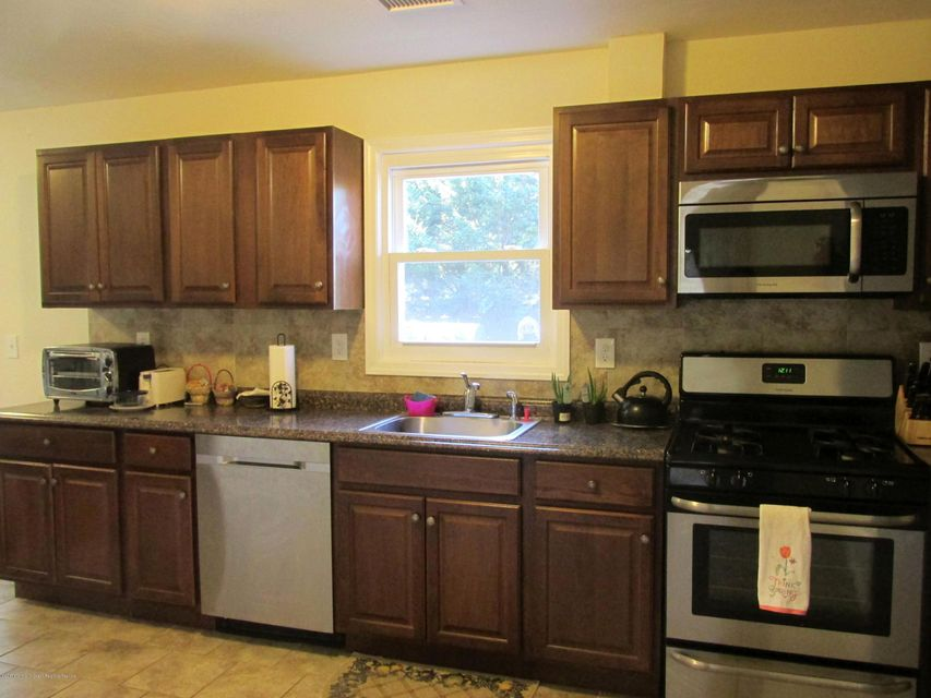 Additional photo for property listing at 463 Manchester Street 463 Manchester Street Toms River, New Jersey 08757 Vereinigte Staaten