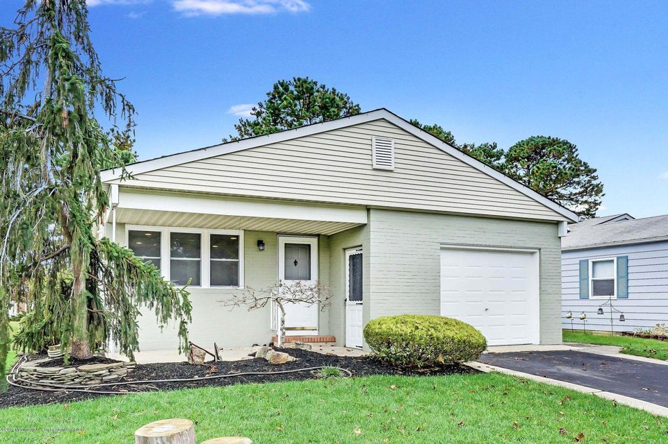 Additional photo for property listing at 16 Inverell Drive 16 Inverell Drive Toms River, ニュージャージー 08757 アメリカ合衆国