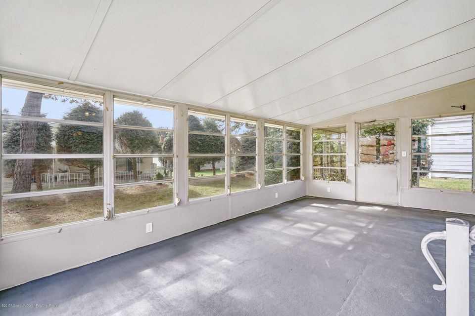Additional photo for property listing at 16 Inverell Drive 16 Inverell Drive Toms River, Nova Jersey 08757 Estados Unidos
